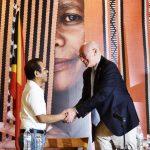 Primeiru-Ministru Taur Matan Ruak Hato'o Agradesimentu ba Eis Xefe UNAMET, Ian Martin Nia Kontribuisaun