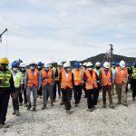 Primeiro-Ministro Taur Matan Ruak e Ministros relevantes visitam a construção do novo porto de Tíbar